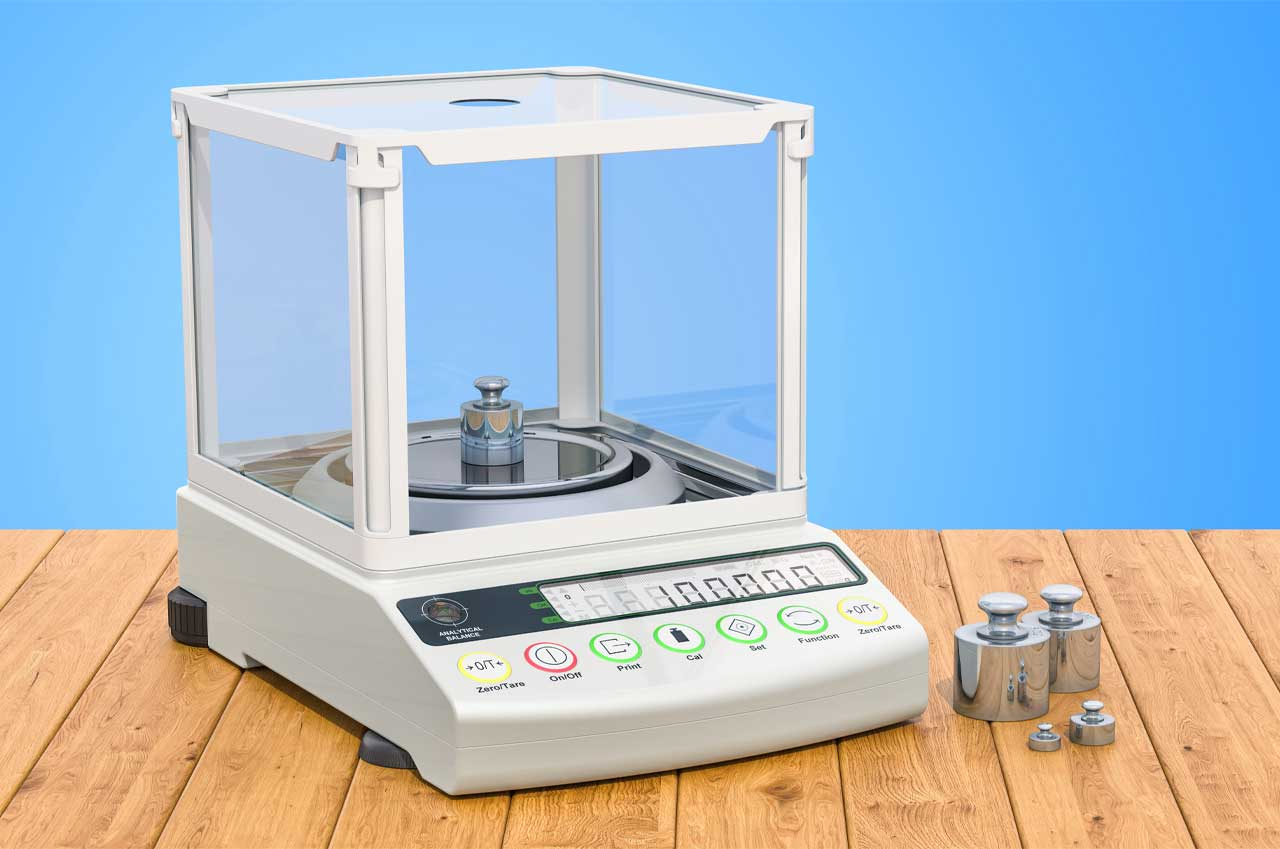 Digital lab scale with set calibration weight